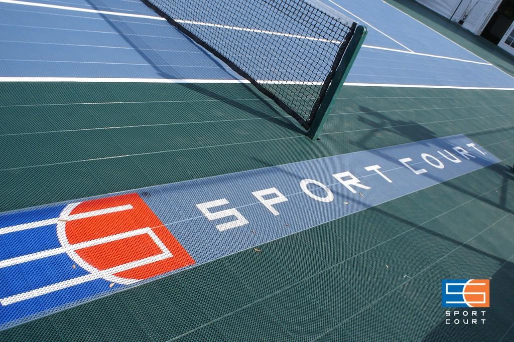 テニスコート衝撃吸収